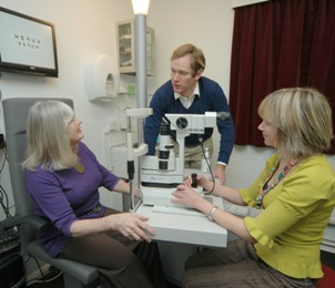 Jeremy Browne visits Taunton opticians